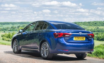 Toyota puts boot in for saloon fans