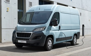 Big electric vans priced by Citroen and Peugeot