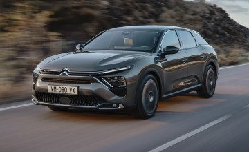 Stylish C5 X crossover from Citroen