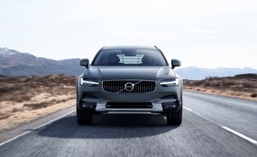 Volvo V90 on Cross Country course