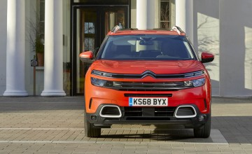 Citroen takes a comfortable lead