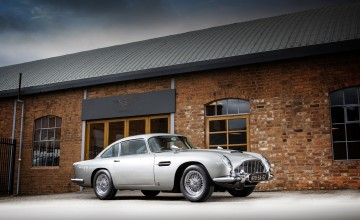 Bond's Aston Martin DB5 up for sale
