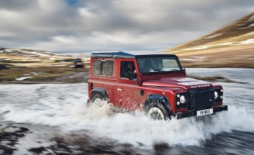 Land Rover to release V8 Defender special