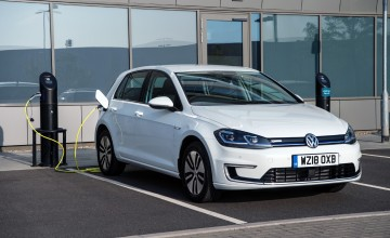 Volkswagen tees up electric revolution