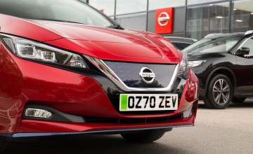 Nissan trials green EV number plates