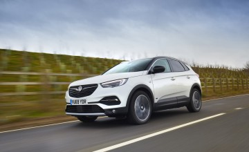 Vauxhall joins the plug-in revolution