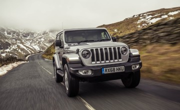 New Jeep Wrangler toughs it out