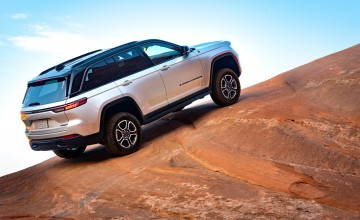 Plug-in power for new Jeep Grand Cherokee