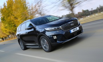 Sporty image for new Kia Sorento