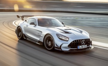 Merc's ultimate GT sprints in