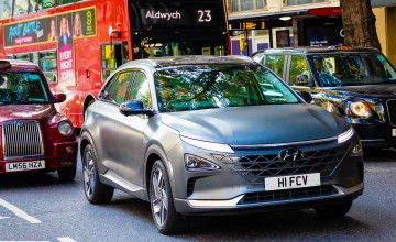 Hyundai Nexo cleans up the streets