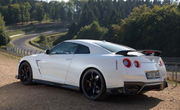 GT-R on track for enthusiasts