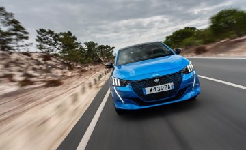 Peugeot electrifies new 208