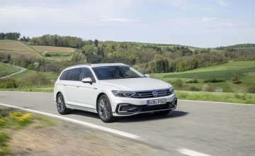 VW plugs-in with new Passat GTE