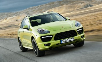 Porsche looks east with super SUV