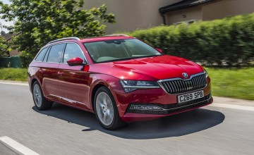 New Skoda Superb stays keen on price
