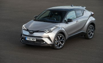 Toyota C-HR in the green with design