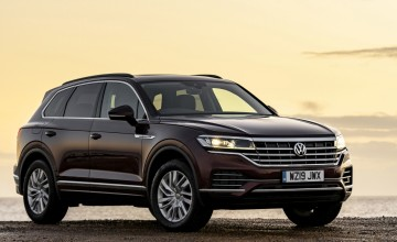 Petrol power for new VW Touareg