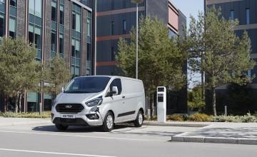 Ford Transit Custom goes plug-in