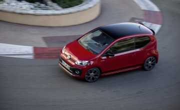 VW hots up! with new GTI