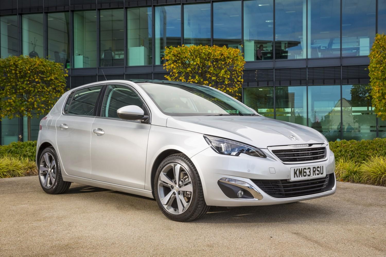 Peugeot 308 - Used Car Review | Eurekar
