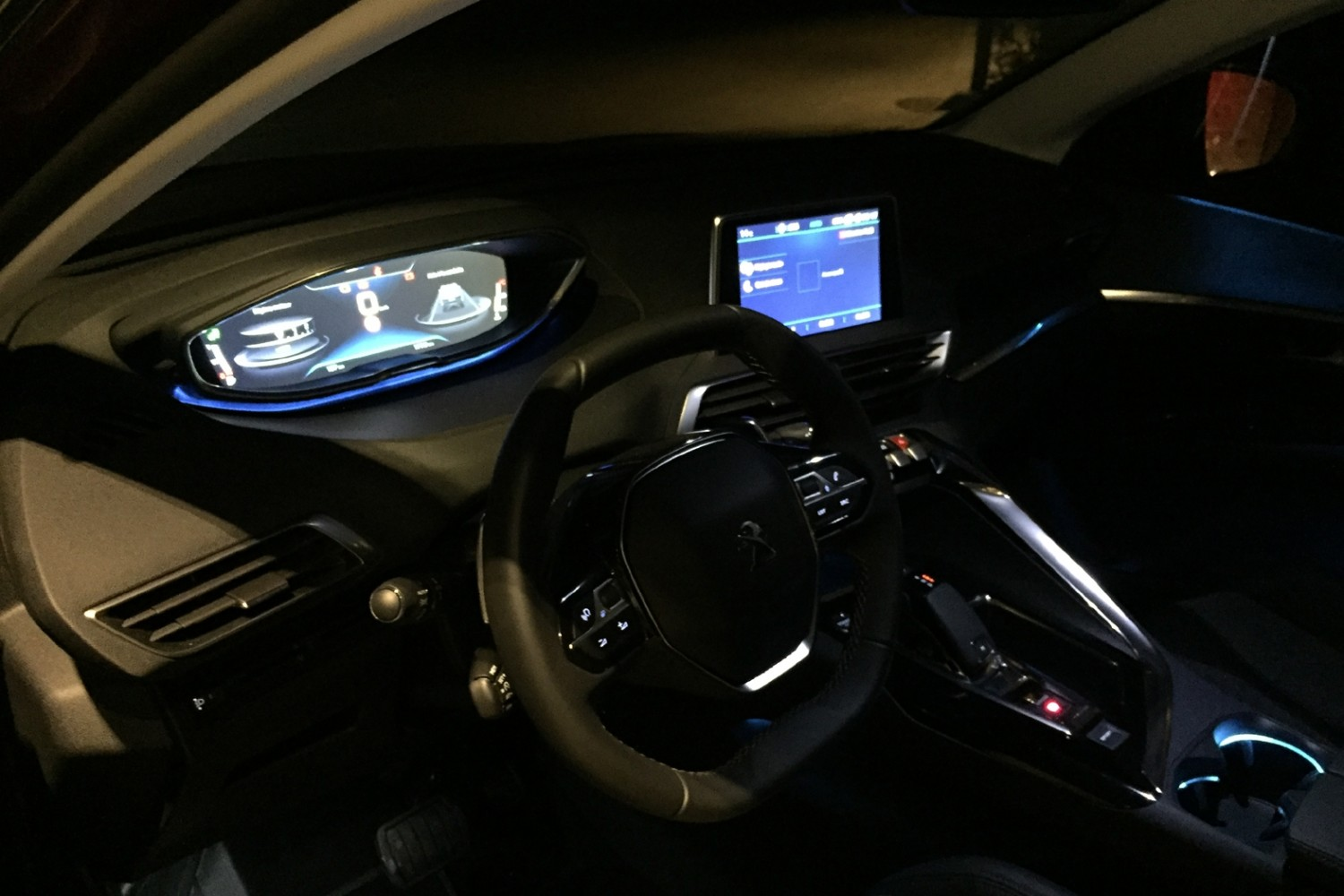 Peugeot 3008 GT 2017 Interior Night