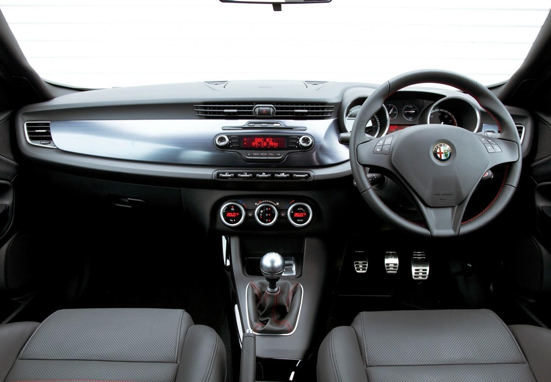 Alfa Romeo Giulietta 2 0 JTDM Lusso | Eurekar