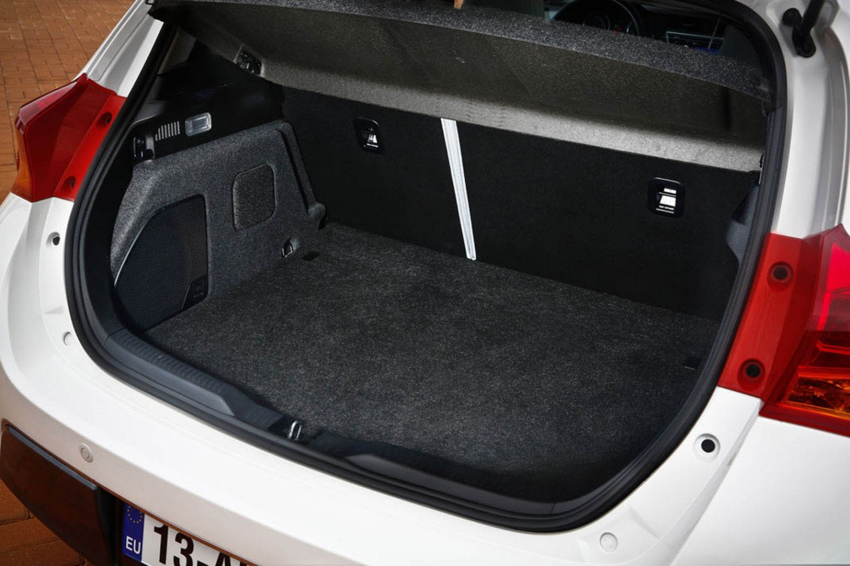 Toyota Auris Hybrid Excel 1 8 Eurekar