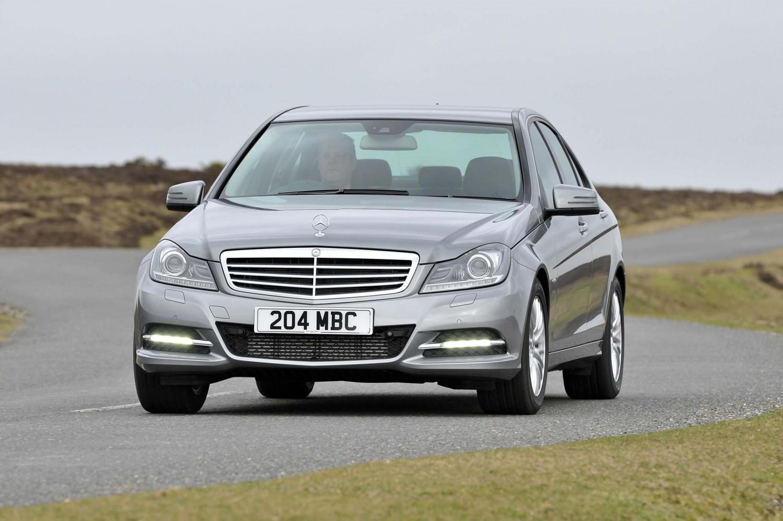 Mercedes benz c class used car review eurekar for Mercedes benz c class used cars