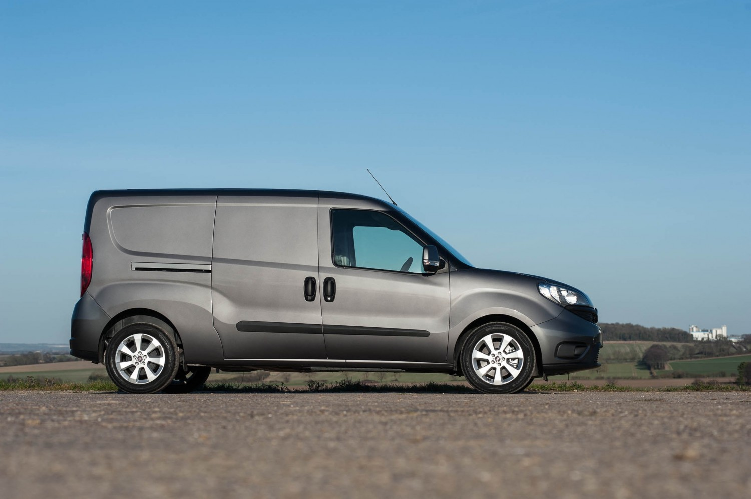 fiat doblo maxi cargo 1 6 multijet sx eurekar. Black Bedroom Furniture Sets. Home Design Ideas
