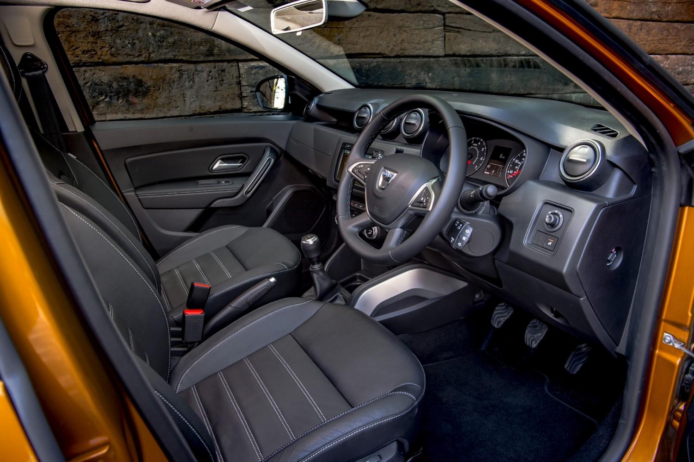 Dust off new dacia duster eurekar - Dacia duster 2017 interior ...