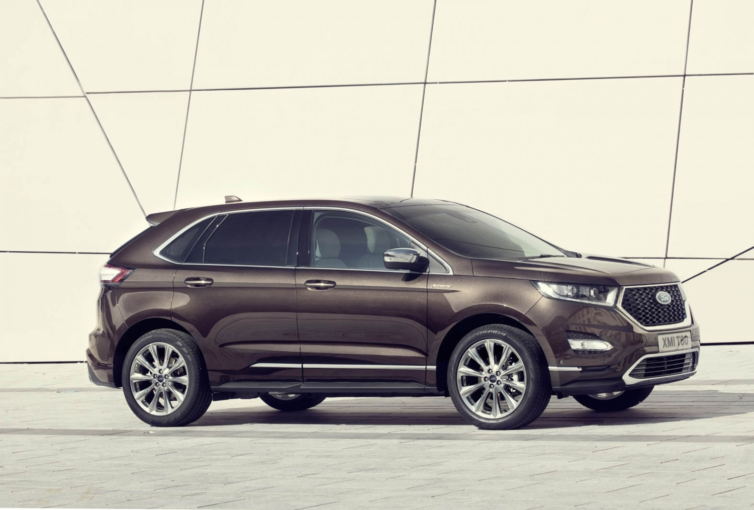 Ford Edge Vignale Side