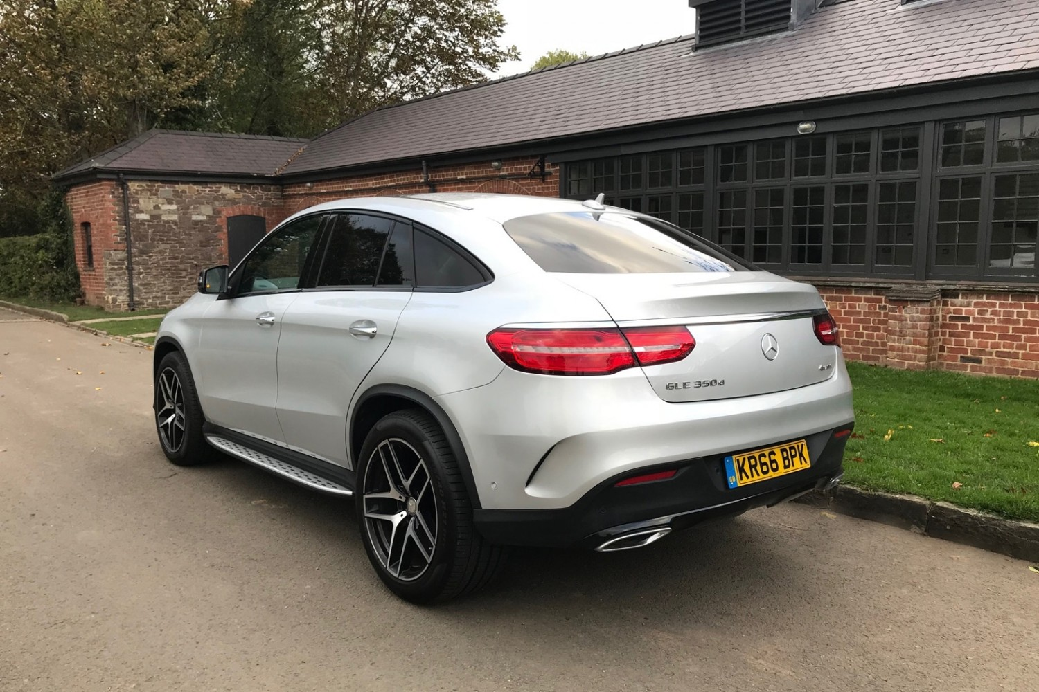 mercedes benz gle 350d 4matic amg line coupe eurekar. Black Bedroom Furniture Sets. Home Design Ideas