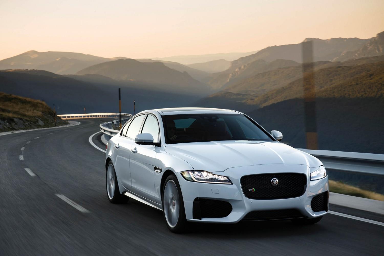 Jaguar XF, Front