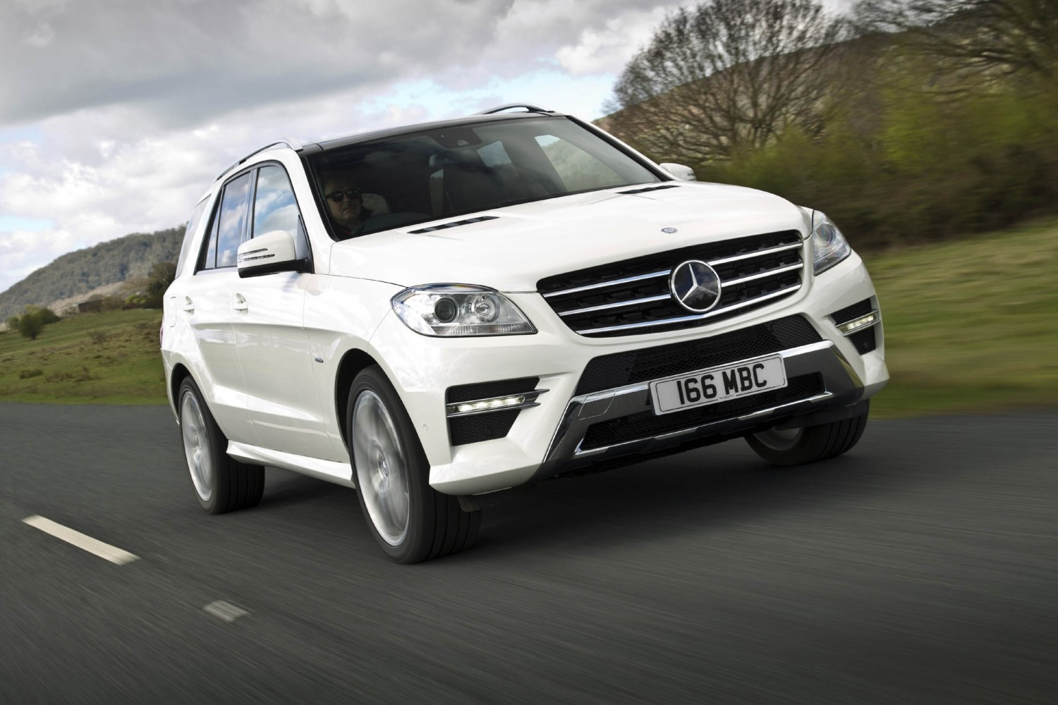 mercedes benz ml 250 bluetec special edition eurekar. Black Bedroom Furniture Sets. Home Design Ideas