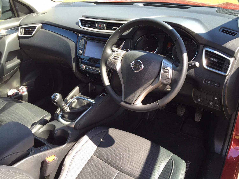 Nissan Qashqai 1.6 DIG-T Tekna | Eurekar