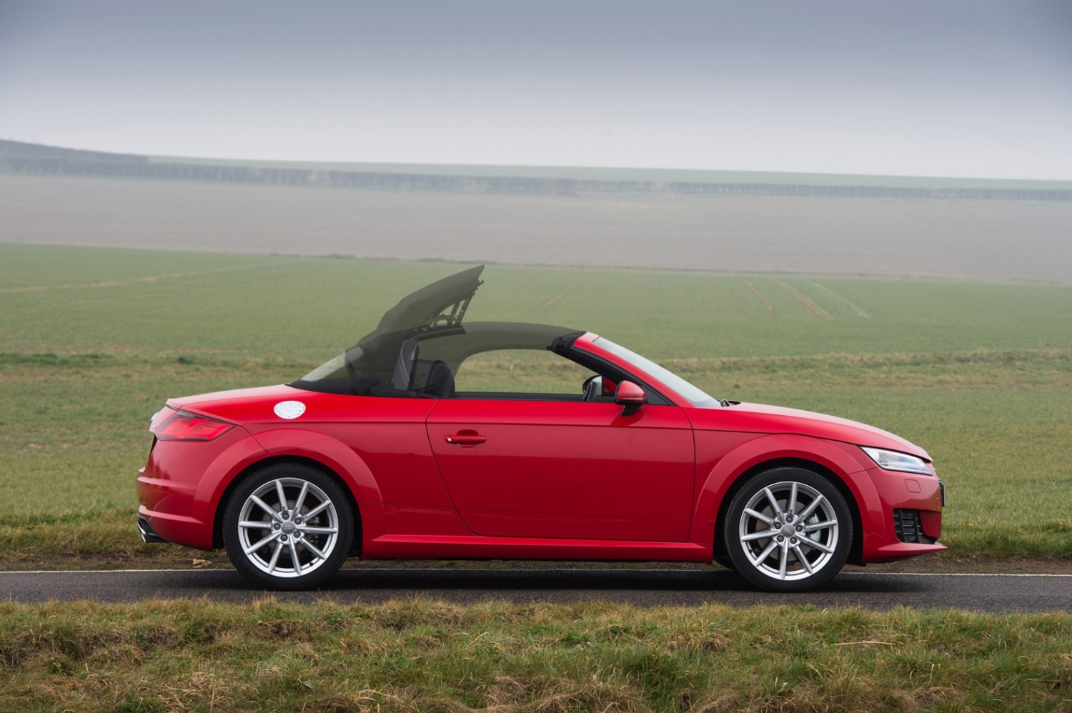 audi tt roadster 1 8 tfsi first drive eurekar. Black Bedroom Furniture Sets. Home Design Ideas