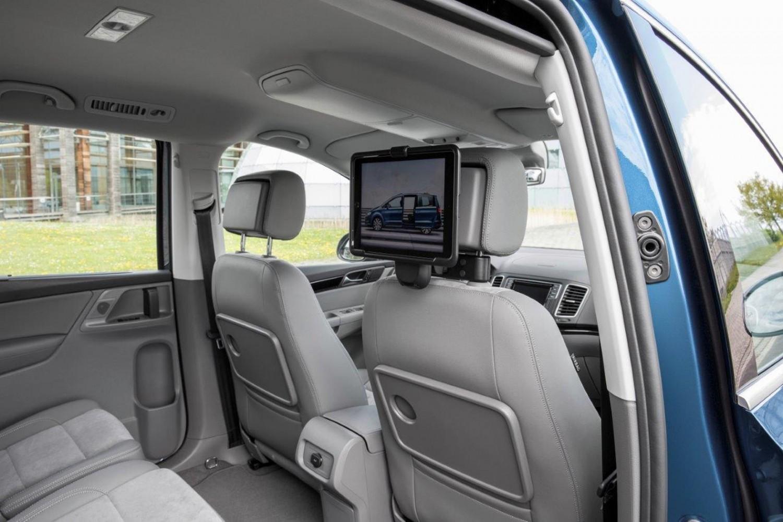 Volkswagen Sharan 2015 - First Drive | Eurekar