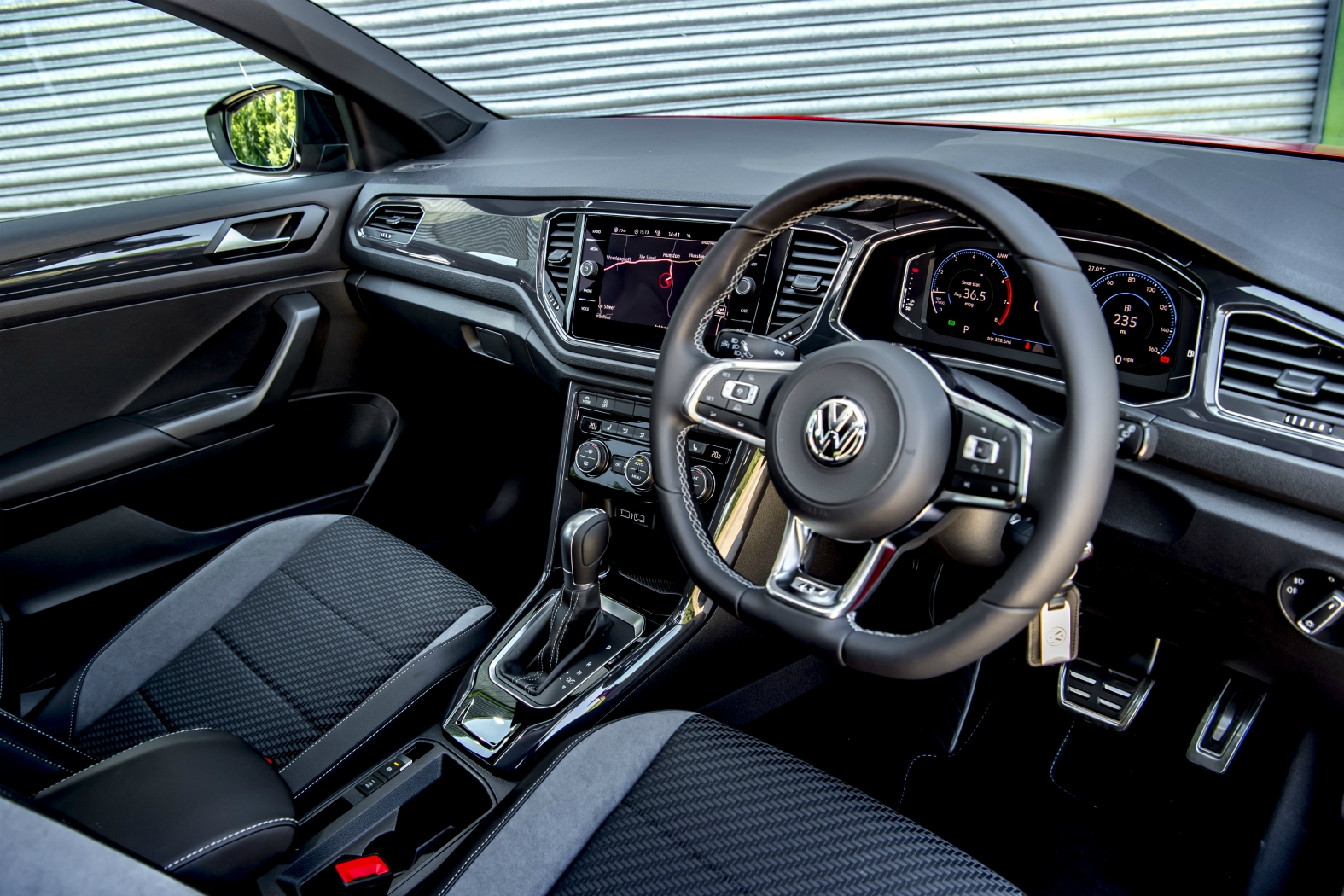 volkswagen t roc r line 1 5 tsi evo eurekar. Black Bedroom Furniture Sets. Home Design Ideas