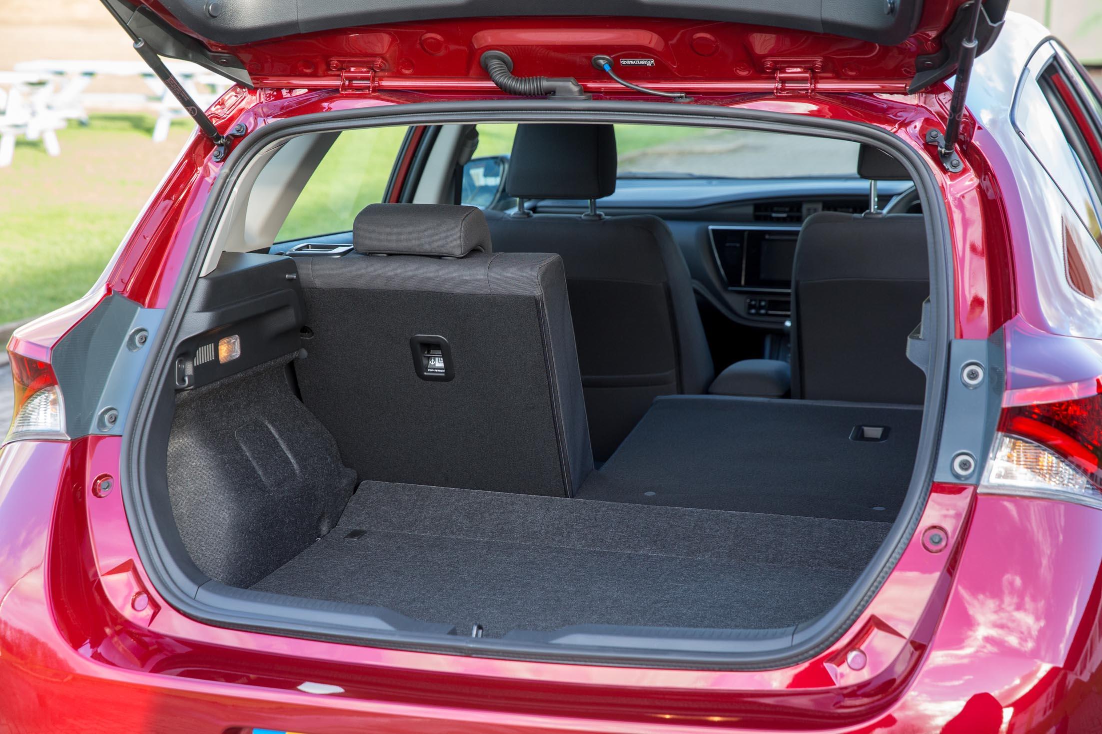 Toyota Auris Bi Tone 1 8 Hybrid Eurekar