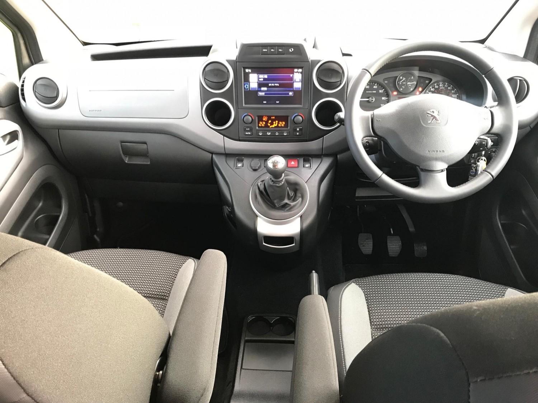 Peugeot Partner Tepee BlueHDi 120 Outdoor | Eurekar