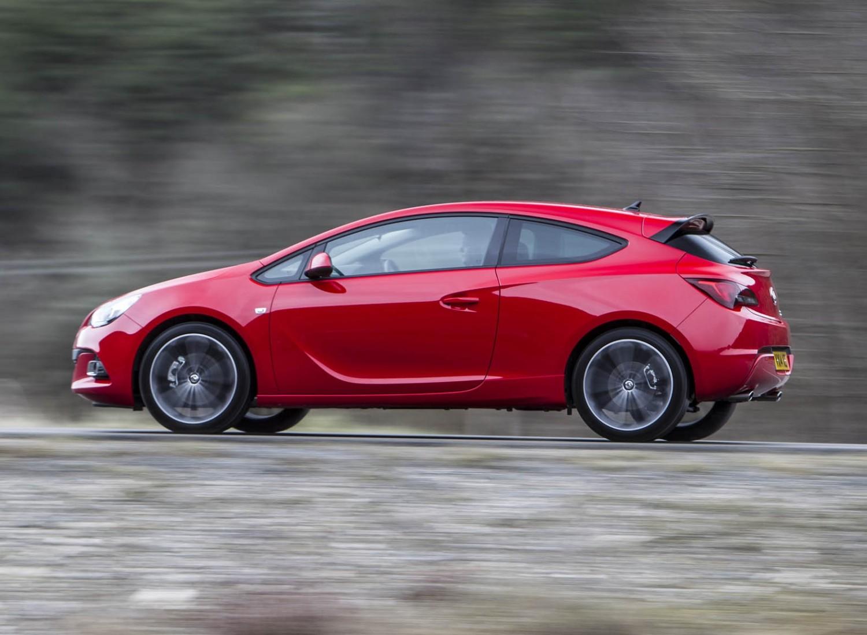Vauxhall Astra GTC - Used Car Review | Eurekar
