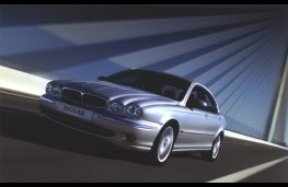 Jaguar X-Type, front
