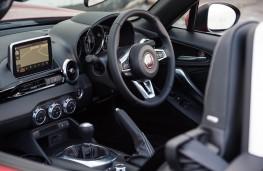 Fiat 124 Spider, interior
