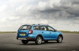Dacia Logan MCV Stepway, rear quarter