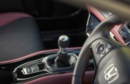 Honda HR-V Sport, interior, manual