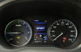 Mitsubishi Outlander PHEV, driver display