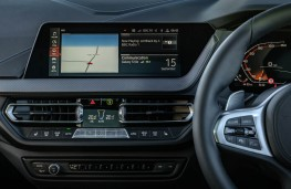 BMW M135i xDrive, 2019, display screen