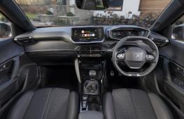 Peugeot 2008, 2020, dashboard