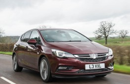 Vauxhall Astra Ultimate, front